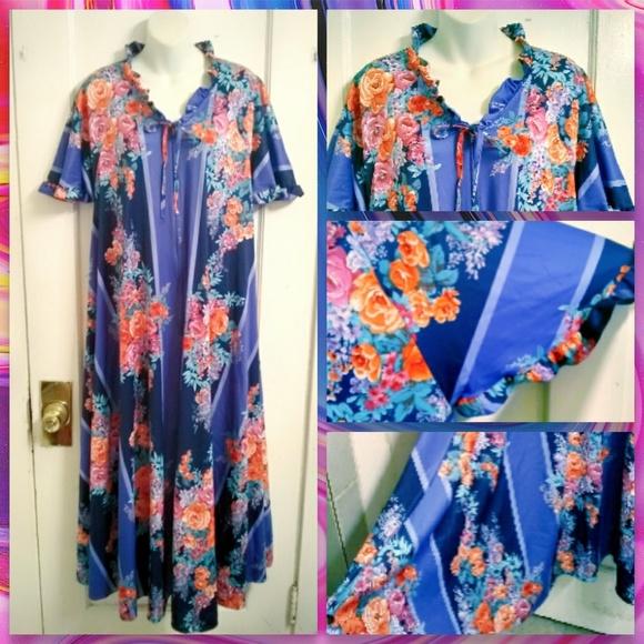 bcaec7e7 Everyday Pleasures Dresses & Skirts - Plus Size VTG 70s Floral Kaftan Dress  One Sz 12